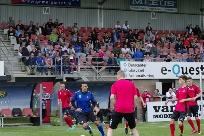 Drukke eerste training Helmond Sport