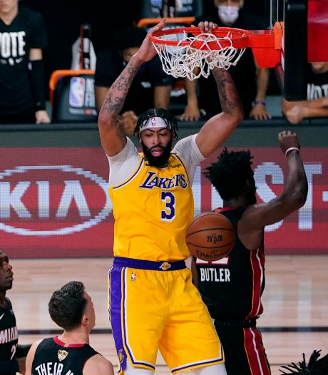 Overtuigende start Lakers in NBA-finale