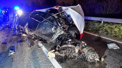 Dodelijk slachtoffer na zware aanrijding tussen BMW en lijnbus