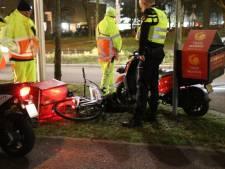 Bizar: maaltijdbezorgers van Taco Mundo in Zwolle botsen op elkaar