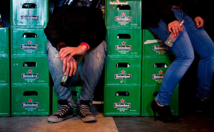 Welzijn Mensenwerk maakt zich zorgen om het alcoholgebruik onder jongeren in de gemeente Zwartewaterland.