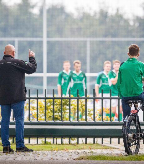 Jean-Paul scoort wereldgoal in Rouveen, maar door corona ziet bijna niemand het: 'Wie gaat mij geloven?'