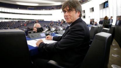 """Puigdemont neemt zetel in Europees Parlement in: """"Spanje respecteert de rechtsstaat niet meer"""""""