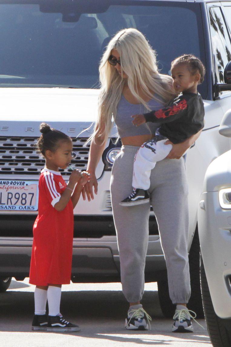 Kim met kinderen North en Saint
