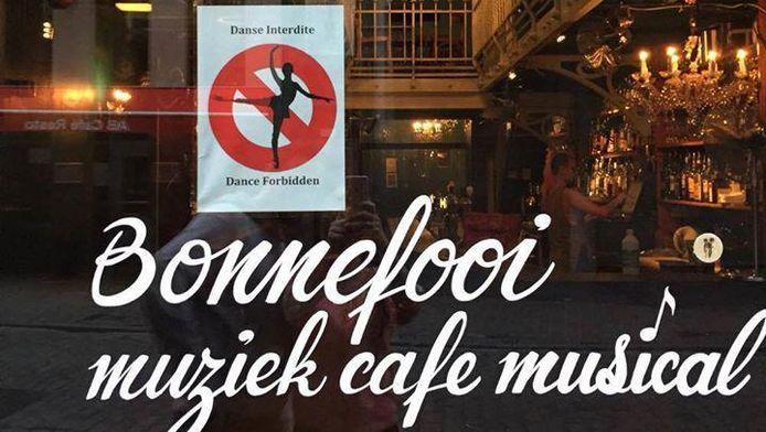 """""""Donc, apparemment, Bruxelles a une taxe de danse... Chaque lieu ou club où des gens dansent doit payer 40 centimes par danseur par nuit. Pourriez-vous arrêter de danser?"""", s'est amusé jeudi le Bonnefooi sur sa page Facebook"""