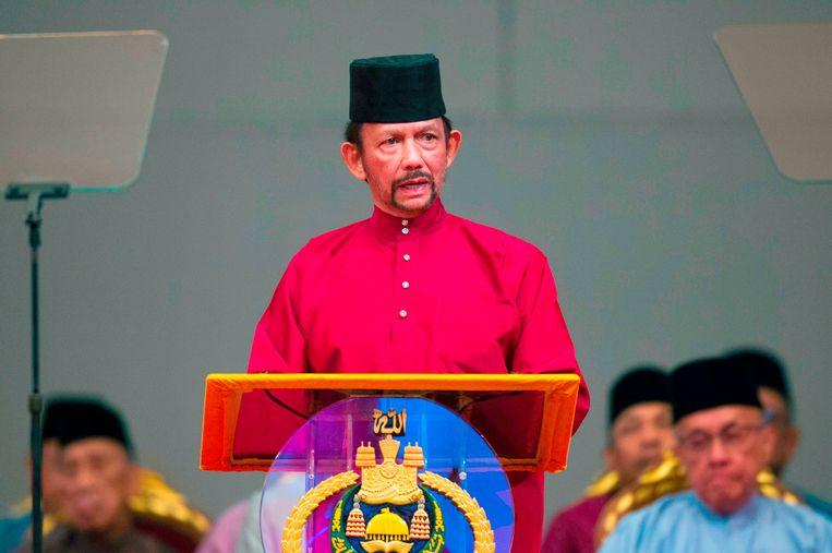 De sultan van Brunei voerde de doodstraf voor homoseksualiteit dan toch niet door na hevig internationaal protest.