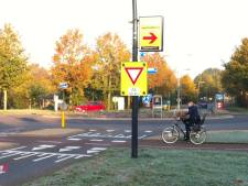 Nieuwe vragen over rotonde Helmkruidlaan in Nijverdal