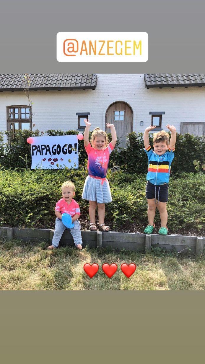 Ook Vanmarckes kindjes zijn op post om hun vader te steunen op het BK in Anzegem.