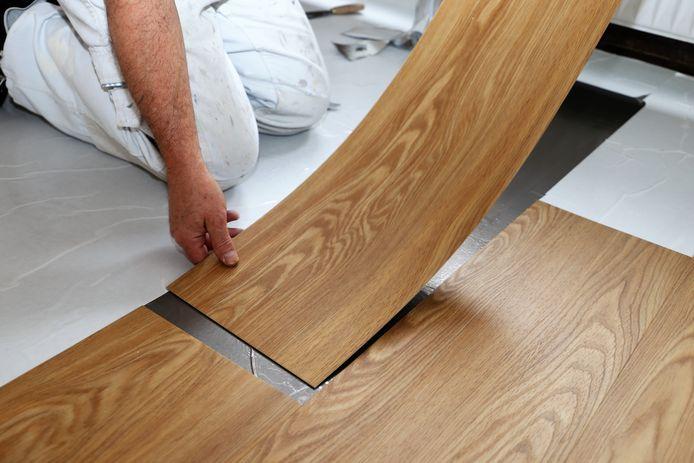 Pvc-vloeren hebben soms het uiterlijk van laminaat, maar zeker andere eigenschappen.