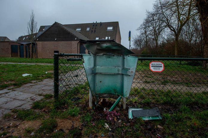 Vernielingen door vuurwerk aan de Zuiderdreef in Wijchen.