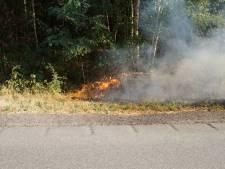 Brandweer voorkomt overslaan van bermbrand in Drunen