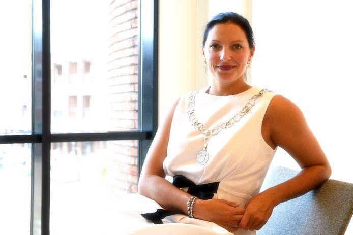Burgemeester Hanne van Aart