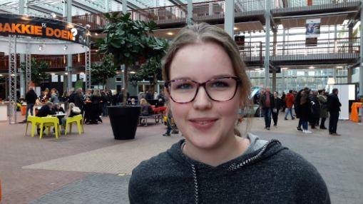 Annelies Schuringa (15) op de open dag van Deltion in Zwolle.