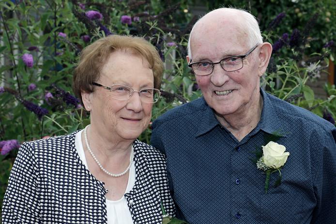 Toon en Gera Bok- Steenbruggen zijn zestig jaar getrouwd.