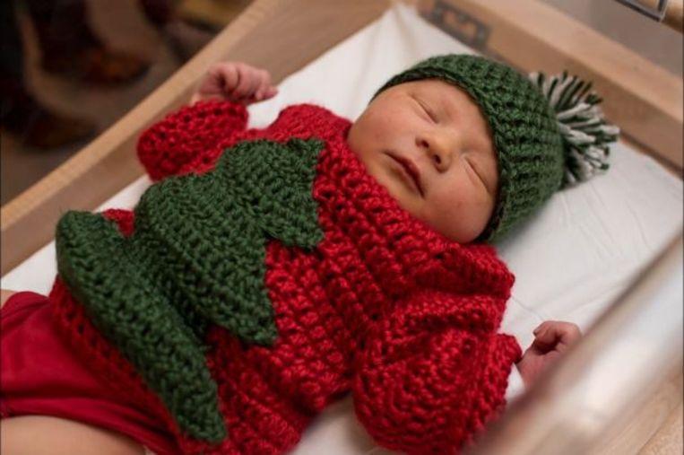 Baby Kersttrui.Hartverwarmend In Dit Ziekenhuis Haken Verpleegsters Unieke