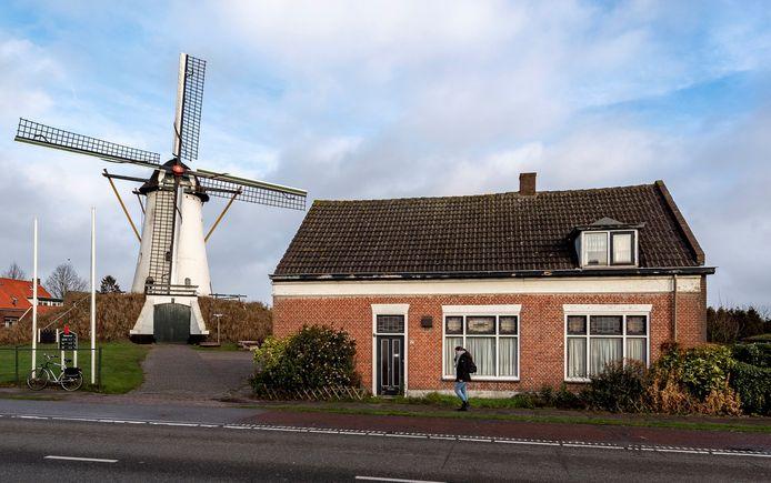 De Antoniusmolen in Halsteren.