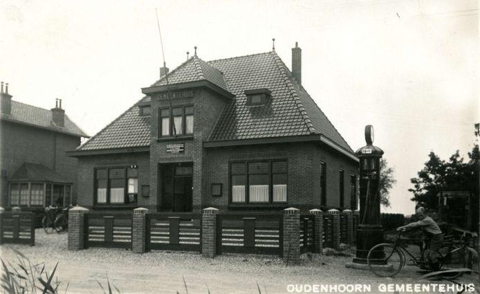 Het gemeentehuis van Oudenhoorn, rond1932.