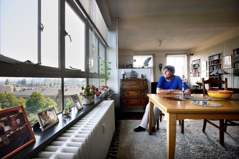 Bewoner Anita Menist herinnert zich de bouw Beeld Jean-Pierre Jans