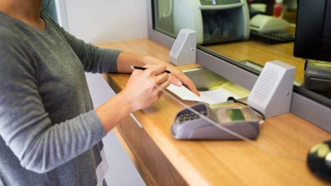 Na de tariefverhogingen bij sommige banken: hoe gemakkelijk is het om over te stappen?