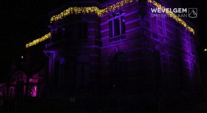 Een beeld van de kerstversiering in Wevelgem.