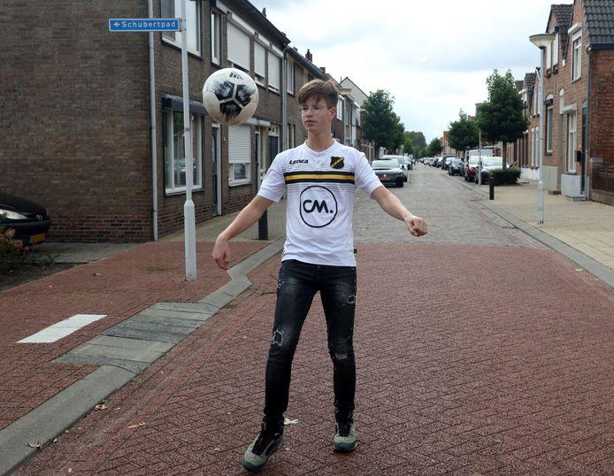 Rein van der Heijden droomt van een debuut bij HVV'24 en daarna NAC Breda.