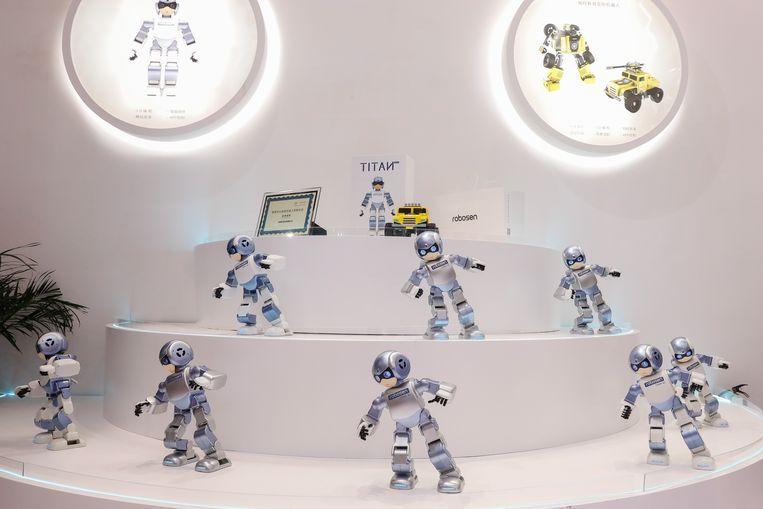 Deze robots wagen zich aan een dansje.