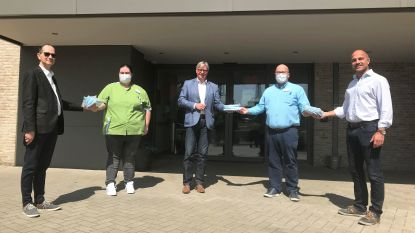 Sp.a Lanaken schenkt 500 mondmaskers weg