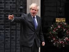 'Britse ministers raden supermarkten aan extra voorraden in te slaan'