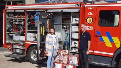 Delhaize Kasterlee schenkt 210 kilo paaschocolade aan brandweer, politie en bpost