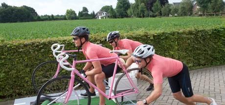 Leroy uit Oosterhout in het roze de Couberg af