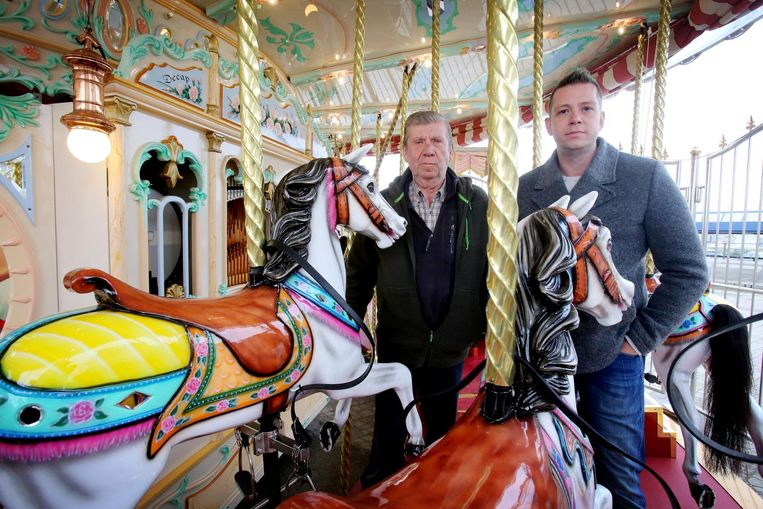Wilfried en Christophe Dagraed op de carrousel.