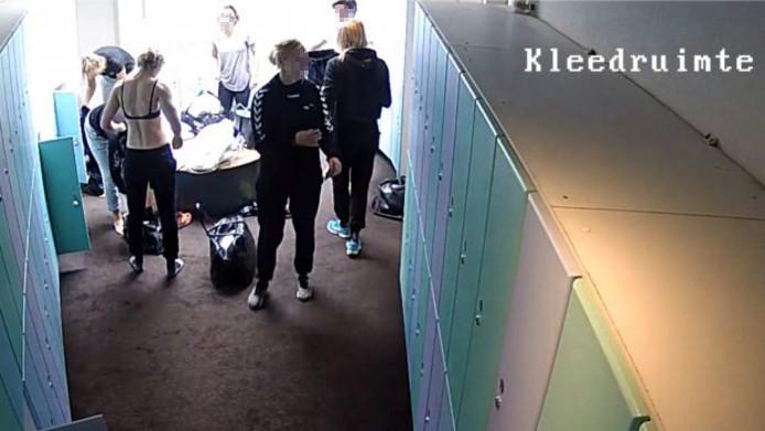 Handbalsters in kleedkamer