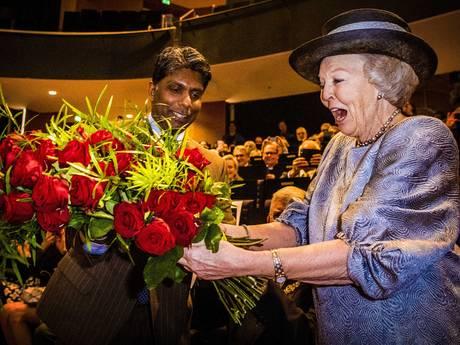 80 rode rozen voor bijna jarige prinses Beatrix in Utrecht