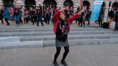 Flashmob danst voor vrouwenrechten