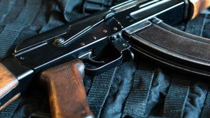 Terroristen raken achter tralies net sneller aan wapens: politie heeft geen vat op zwarte markt