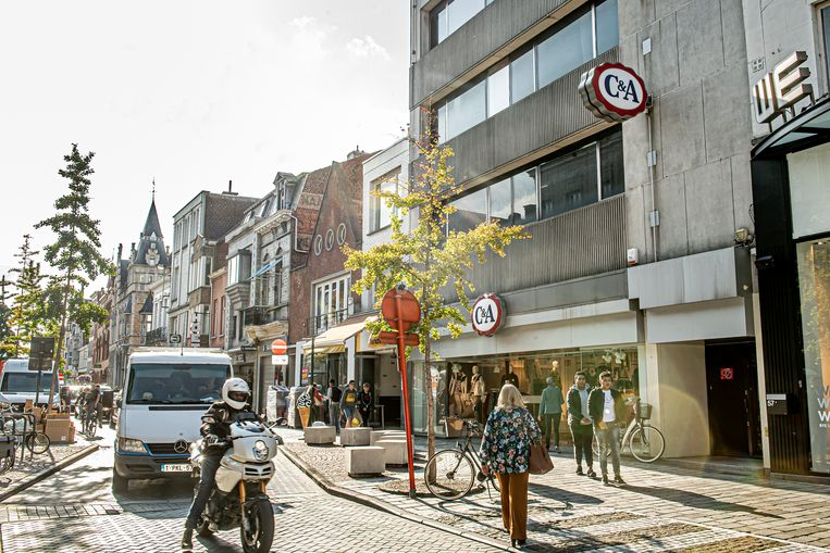 C&A laat weten dat de winkel in de Ooststraat in februari 2020 sluit.
