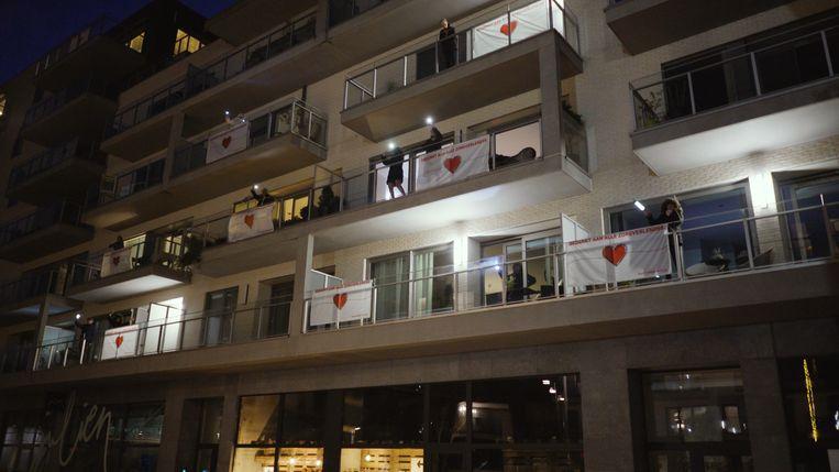 Kippenvel op de balkons van De Munt