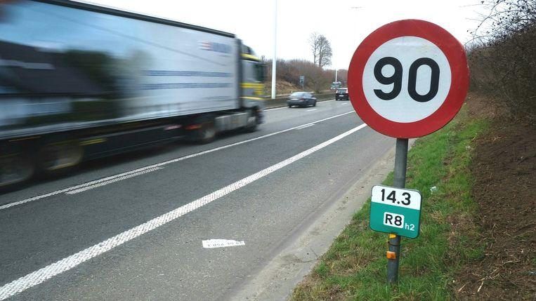 De maximumsnelheid is sinds maart overal van kracht op de R8.