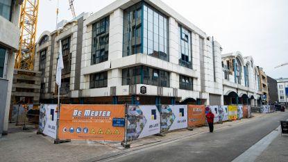 Renovatie van start: postkantoor aan Groenplaats wordt commerciële ruimte met luxeflats