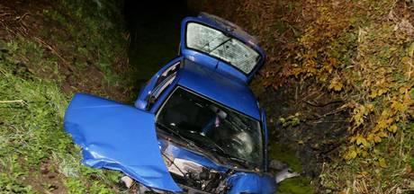 Automobilist zwaargewond bij eenzijdig ongeluk in Herwijnen