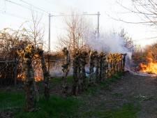 Treinverkeer tussen Den Bosch en Tilburg weer opgestart na bermbrand aan het spoor