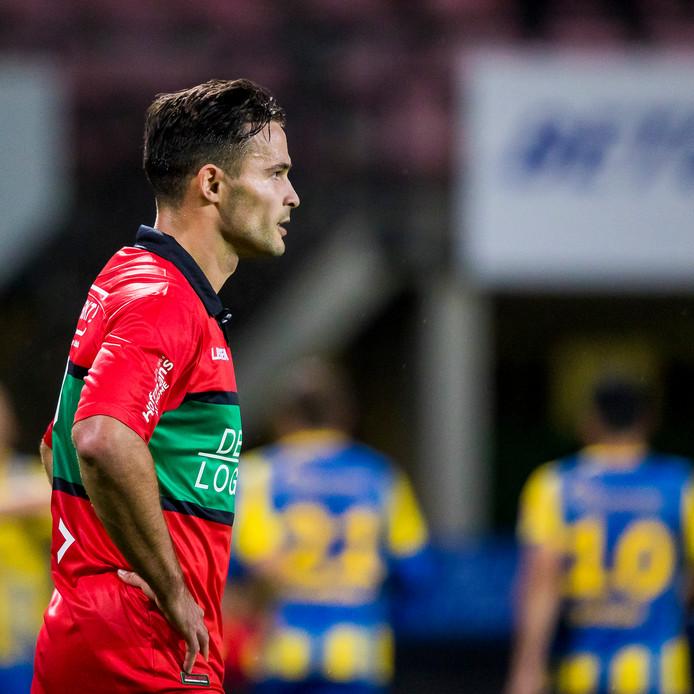 Guus Joppen baalt na de 1-0 van TOP Oss.