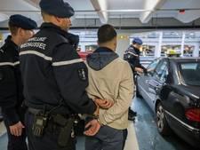 Bekende taxironselaar aangehouden op Schiphol