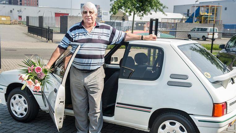De winnaar van de Peugeot 205 Lacoste: Henk Smit uit Heemstede. Beeld Koen Verheijden
