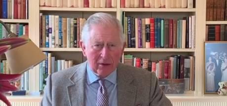 """Guéri du coronavirus, le prince Charles sort du silence: """"C'est une expérience étrange"""""""