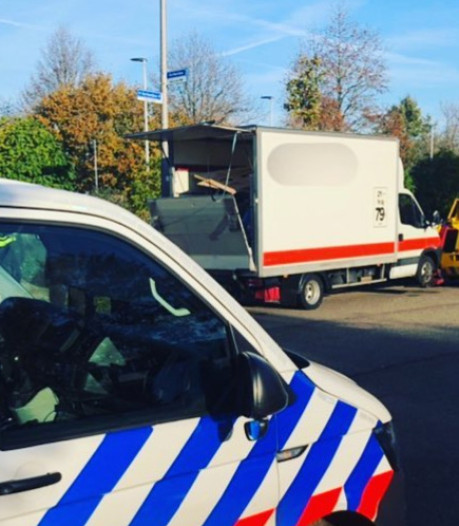 Verlaten huurbusje vol hennepspullen leidt naar man (37) uit Nijmegen