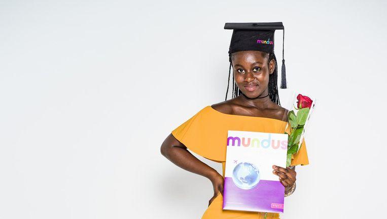 Emanuelle Akoto (17) begint na de zomer aan een mbo-opleiding verpleegkunde. Beeld Cees Glastra van Loon