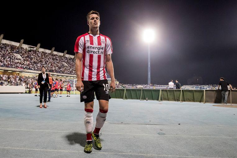 Marco van Ginkel is teleurgesteld nadat PSV begin augustus in Kroatië in de voorronde van de Europa League met 1-0 verloren heeft van NK Osijek. Beeld Joep Leenen