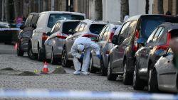 Tiental bewoners vindt auto  beschadigd terug na ontploffing handgranaat
