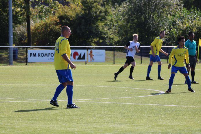 Met zes doelpunten heeft Piotr Murawski een groot aandeel in de goede start van FC Uden in de vijfde klasse E.